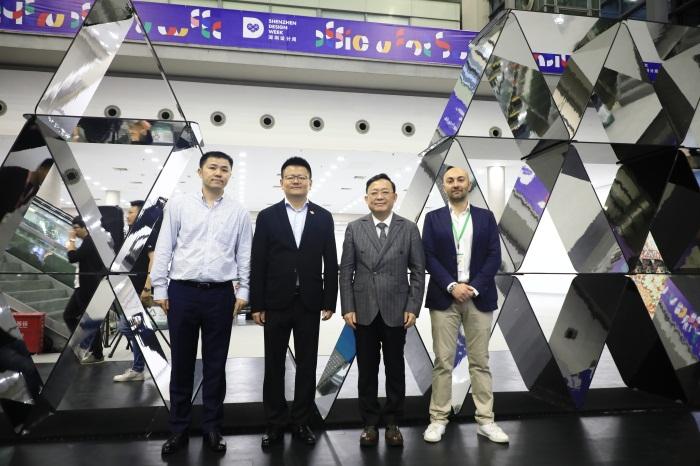"""深圳设计周""""设计游戏""""装置盛大揭幕 探索中外设计领域合作新机遇"""