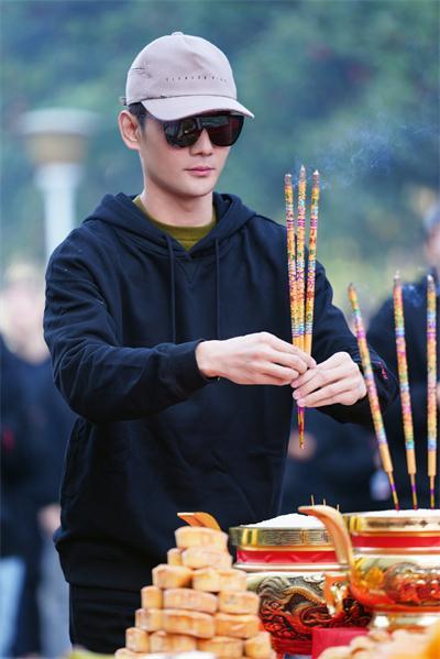 """王凯《大江大河2》宁波正式开机 2.0宋运辉""""东海风云""""引期待"""